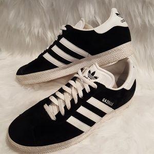Like new Adidas Gazelle Sneakers